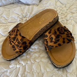 New! Cheetah slide sandals